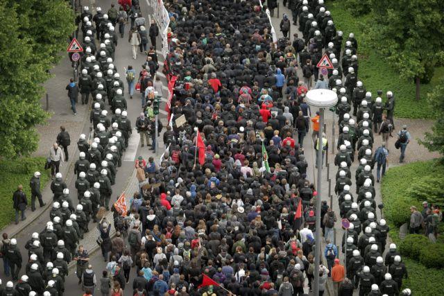 Χιλιάδες Ευρωπαίοι είπαν «όχι» στη λιτότητα   tanea.gr