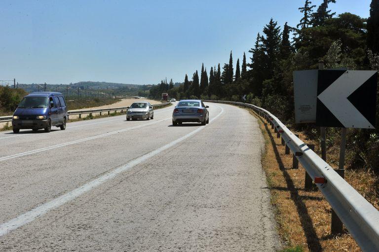 Ενας νεκρός και τέσσερις τραυματίες σε τροχαίο στην Ηγουμενίτσα   tanea.gr