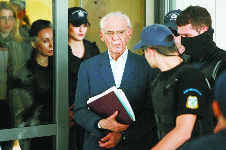 Η δίκη Τσοχατζόπουλου δεν... πάει διακοπές | tanea.gr