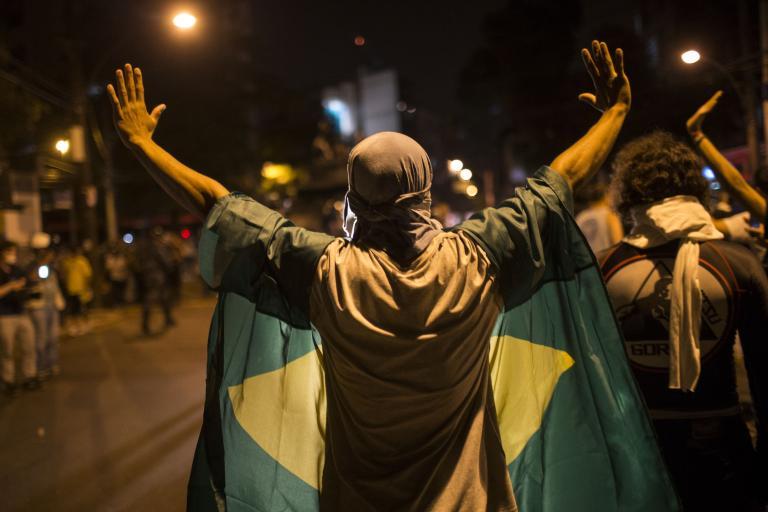 Φρίκη στη Βραζιλία: Οπαδοί αποκεφάλισαν διαιτητή επειδή μαχαίρωσε ποδοσφαιριστή   tanea.gr