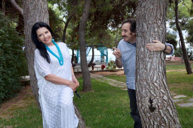 Η δασκάλα Ζωζώ Σαπουντζάκη, ο μαθητής Αγγελος Παπαδημητρίου | tanea.gr
