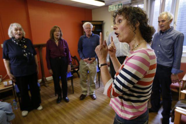 Με ένα… τραγούδι αντιμετωπίζουν σοβαρές παθήσεις του πνεύμονα | tanea.gr