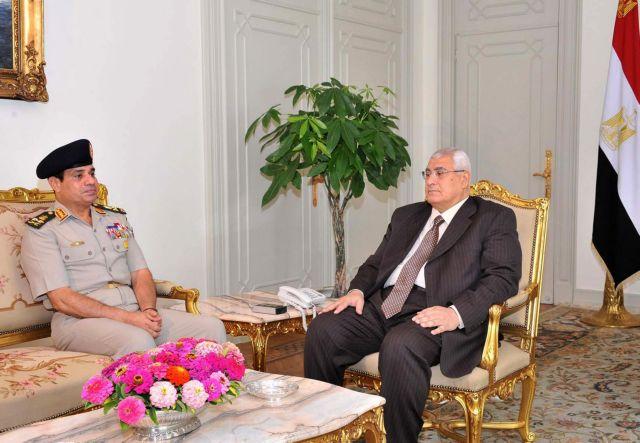 Με τον αρχηγό του στρατού συναντήθηκε ο προσωρινός πρόεδρος της Αιγύπτου | tanea.gr