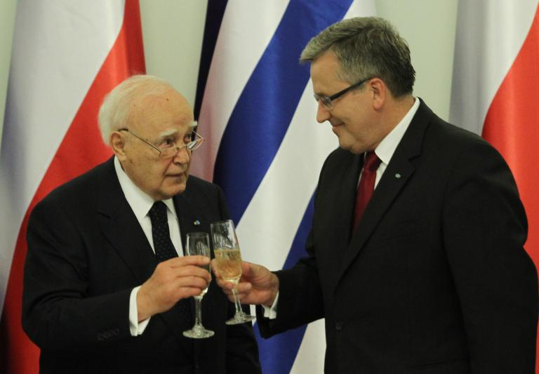 «Με τις κοινές ευρωπαϊκές αξίες να αντιμετωπίσουμε την κρίση», είπε ο Παπούλιας από την Πολωνία | tanea.gr
