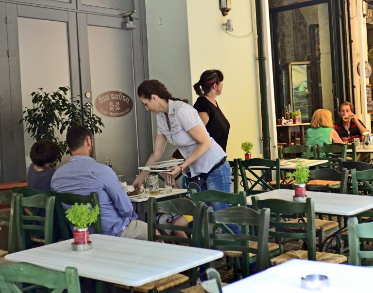 Την Παρασκευή η υπογραφή της συμφωνίας για τη μείωση του ΦΠΑ στην εστίαση   tanea.gr