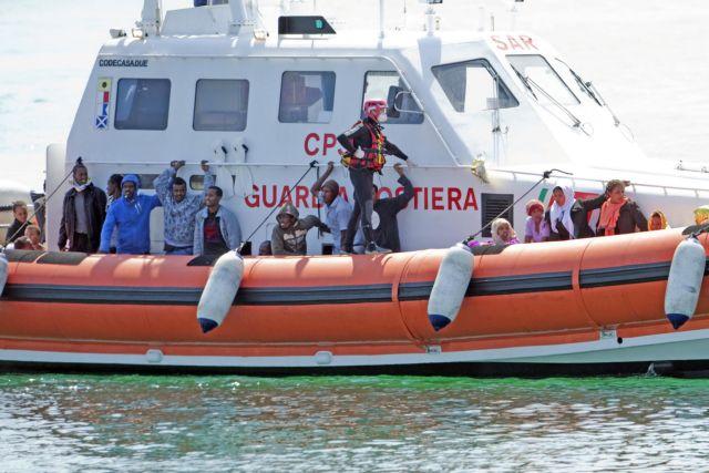 Τριάντα μετανάστες πνίγηκαν μετά από ανατροπή της βάρκας τους ανοιχτά της Λιβύης | tanea.gr