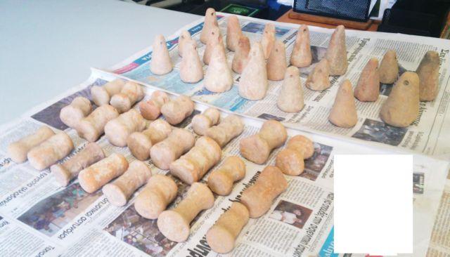 Βρήκαν κρυμμένα 350 αρχαία αντικείμενα στη Λάρισα | tanea.gr