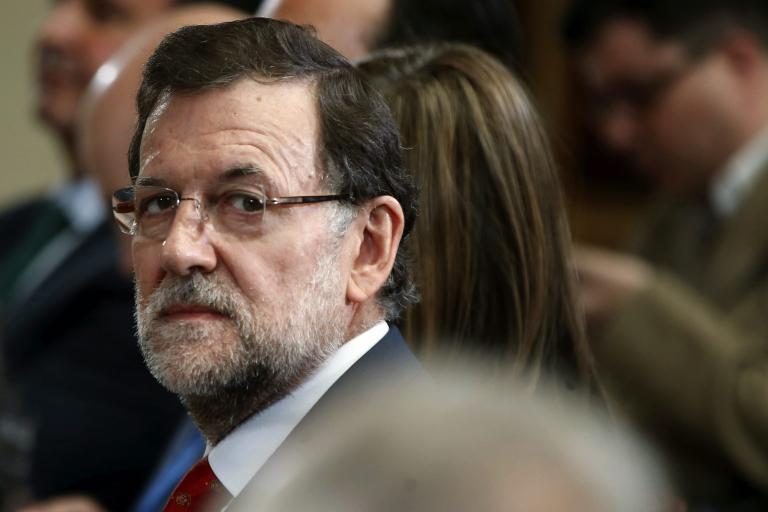 Την παραίτηση του Ραχόι ζητούν οι ισπανοί σοσιαλιστές για τα SMS στον ταμία του Λαϊκού Κόμματος   tanea.gr