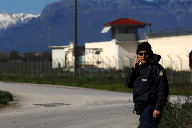 Oμολογία Δένδια για τις φυλακές: «Η κατάσταση είναι εκρηκτική»   tanea.gr
