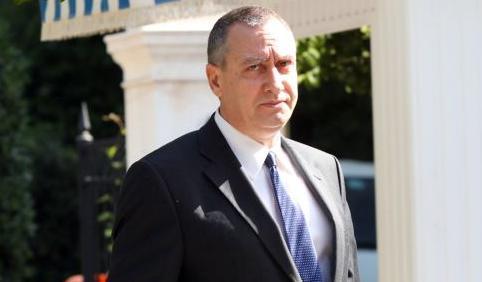 Μιχελάκης: «Θα φύγουν όσοι δημοτικοί υπάλληλοι προσλήφθηκαν παράνομα»   tanea.gr