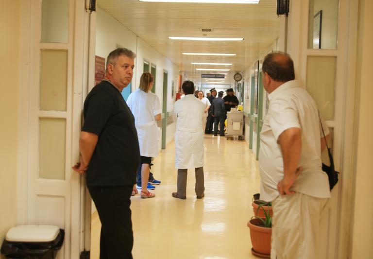 Σε αργία 20 γιατροί δημόσιων νοσοκομείων με απόφαση Γεωργιάδη   tanea.gr