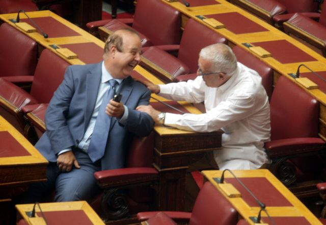 Καύσωνας στην κυβέρνηση για τις απολύσεις   tanea.gr