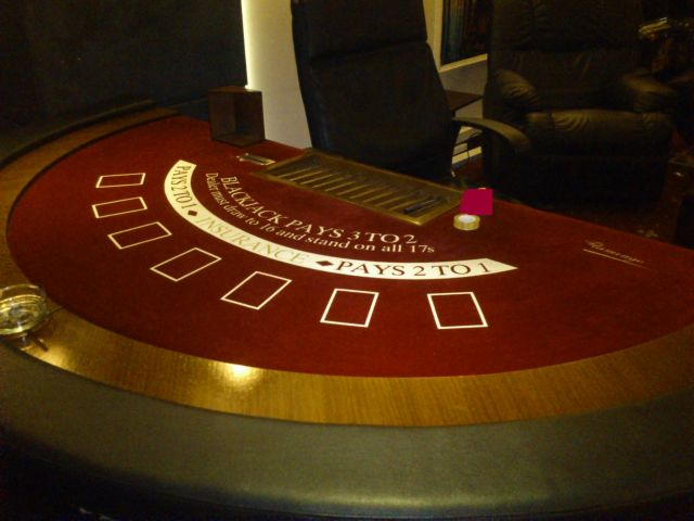 Παράνομο «μίνι καζίνο» εντοπίστηκε στο Πέραμα | tanea.gr