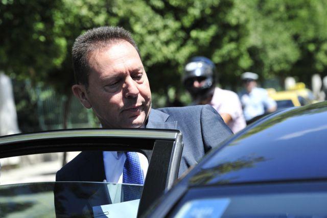 Ψυχολογικές ενέσεις στους βουλευτές της κυβέρνησης από τον Γιάννη Στουρνάρα | tanea.gr