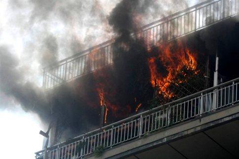 Πυρκαγιά σε διαμέρισμα στον Πειραιά | tanea.gr