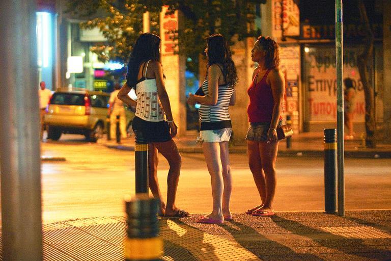 Σε εξέλιξη μεγάλη επιχείρηση της ΕΛ.ΑΣ για την εξάρθρωση διεθνούς κυκλώματος εμπορίας γυναικών   tanea.gr