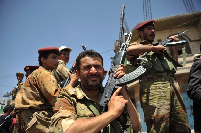 Aγνωστοι δολοφόνησαν ανώτερο αξιωματικό του στρατού στην Υεμένη   tanea.gr