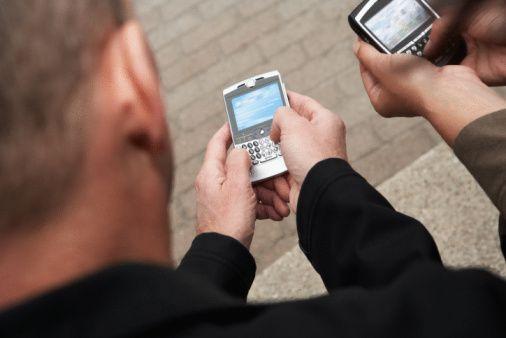 Κίνδυνος παχυσαρκίας από τα… smartphones προειδοποιούν επιστήμονες   tanea.gr