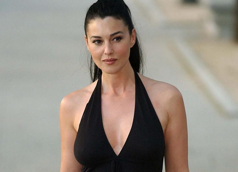 Η Μόνικα Μπελούτσι διατηρεί δεσμό με πάμπλουτο επιχειρηματία | tanea.gr