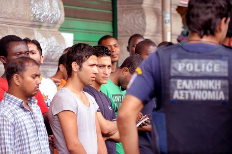 Επιχείρηση «σκούπα» της Αστυνομίας στη Θεσσαλία για παρεμπόριο | tanea.gr