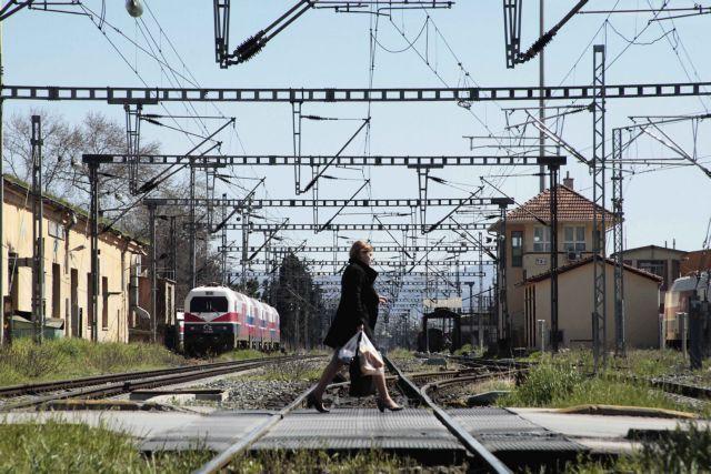 Γυναίκα παρασύρθηκε και σκοτώθηκε από τρένο στη Θεσσαλονίκη | tanea.gr