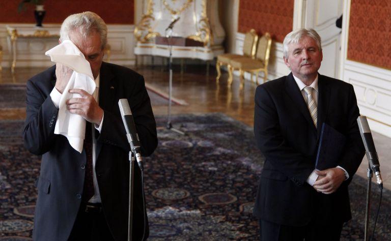 Ο Πρωθυπουργός της Τσεχίας και η κυβέρνησή του θα παραιτηθούν την Τρίτη | tanea.gr