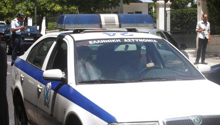 Αδέσποτη σφαίρα τραυμάτισε ελβετό τουρίστα στο Ρέθυμνο | tanea.gr
