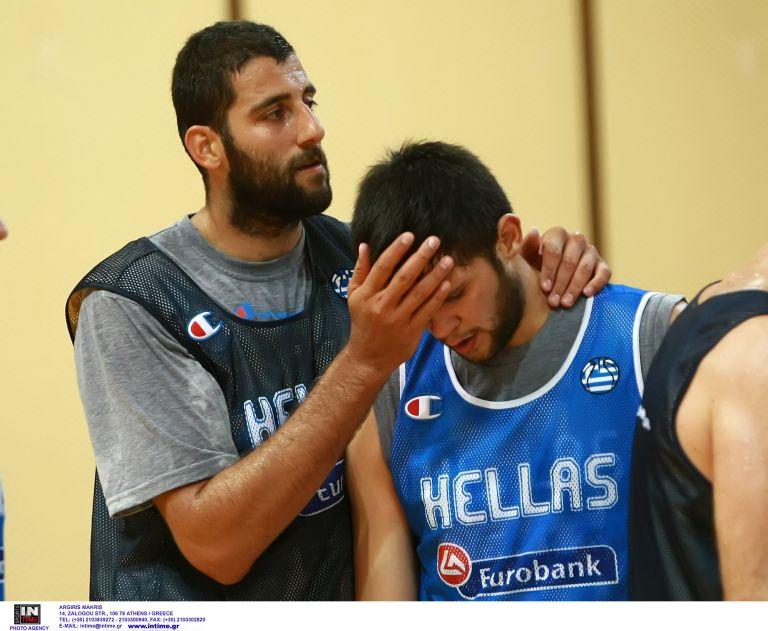 Αναστάτωση στην εθνική μπάσκετ με τον τραυματισμό του Μπουρούση   tanea.gr
