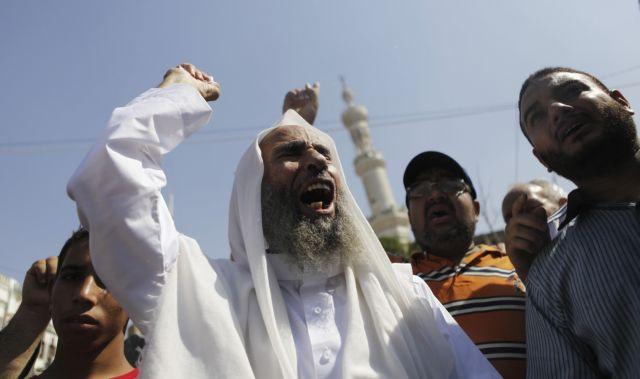 Αίγυπτος: Σε θέσεις μάχης οι ισλαμιστές | tanea.gr