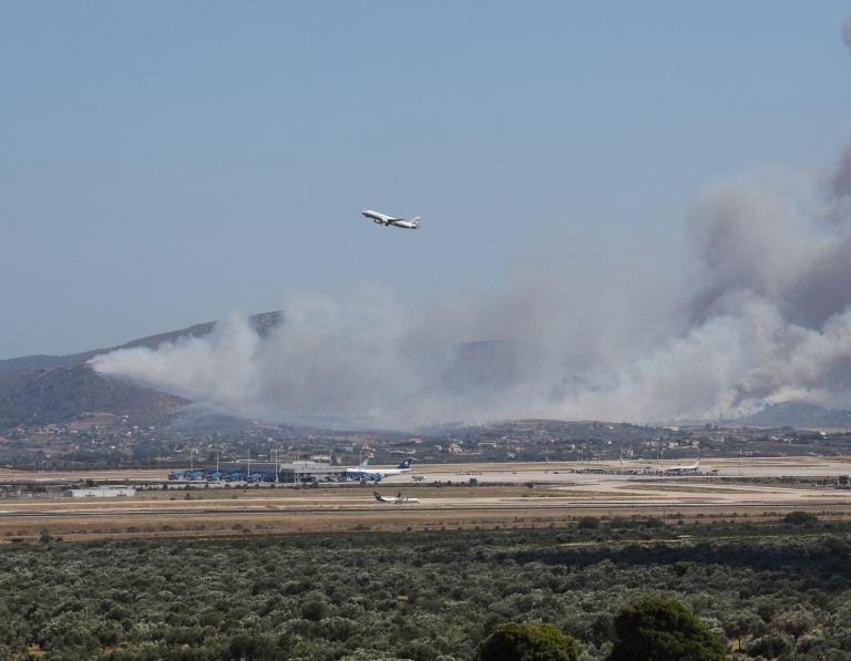 Εσβησε η φωτιά στην περιοχή του αεροδρομίου «Μακεδονία» της Θεσσαλονίκης | tanea.gr
