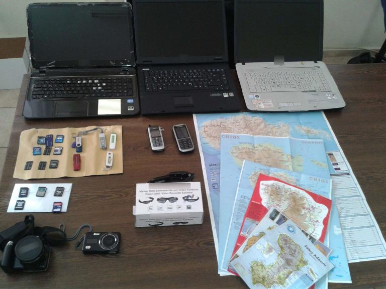 Συνελήφθη στη Χίο 72χρονος Γερμανός που φωτογράφιζε στρατόπεδα και παρέδιδε το υλικό σε Τούρκους   tanea.gr
