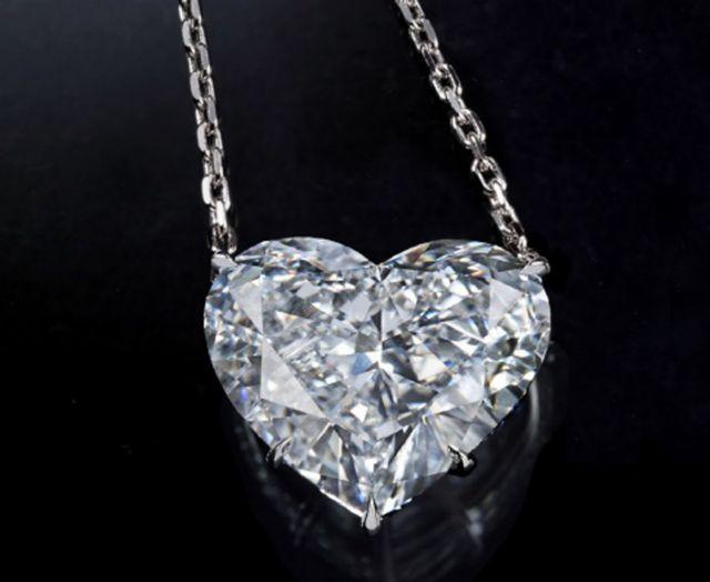 Επικήρυξαν με 1 εκατ. ευρώ τους ληστές των διαμαντιών στις Κάννες | tanea.gr