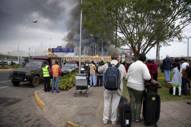 Σταδιακή επαναλειτουργία του αεροδρομίου στο Ναϊρόμπι μετά την τεράστια πυρκαγιά | tanea.gr