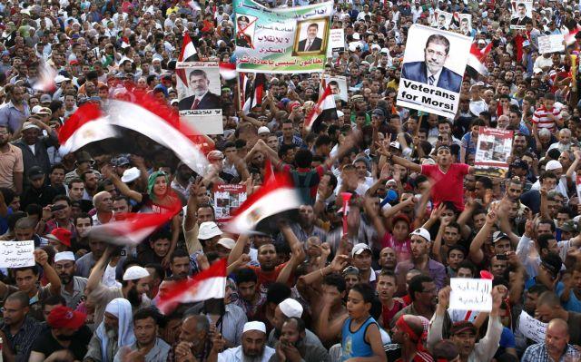 Σε μαζικές διαδηλώσεις καλούν οι Αδελφοί Μουσουλμάνοι στην Αίγυπτο | tanea.gr