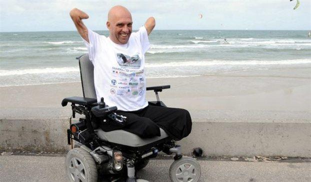 Εκλεψαν το αναπηρικό αμαξίδιο του γάλλου κολυμβητή Φιλίπ Κρουαζόν | tanea.gr