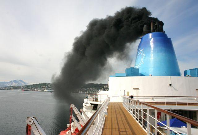 Οι ακτοπλοϊκές εταιρείες αναζητούν σωσίβιο στο φυσικό αέριο   tanea.gr