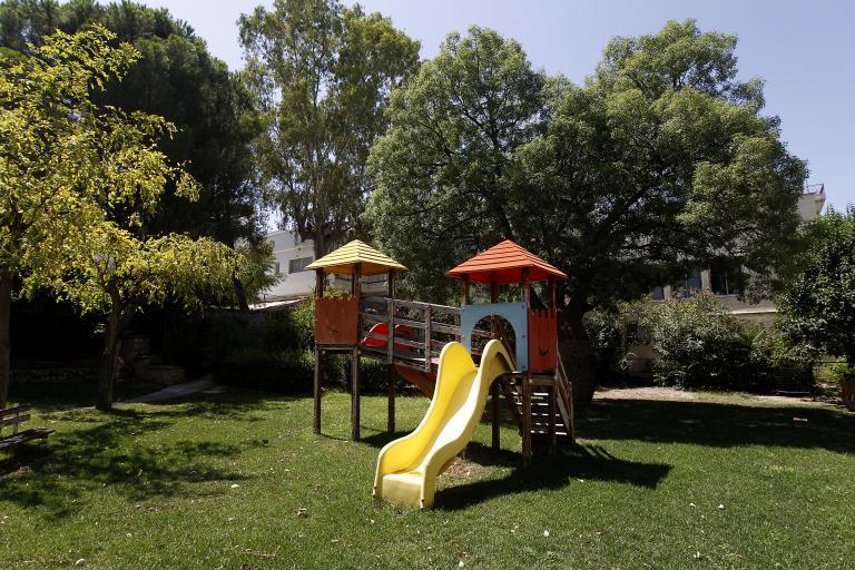 Θα γίνουν δεκτά όλα τα παιδιά στους παιδικούς σταθμούς, λέει το υπουργείο Εσωτερικών | tanea.gr