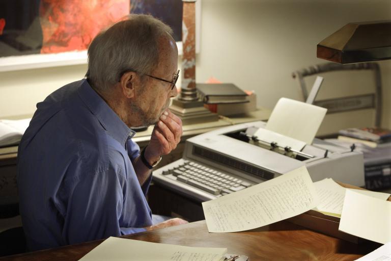 Πέθανε ο συγγραφέας του «Πιάστε τον κοντό» Ελμορ Λέοναρντ | tanea.gr