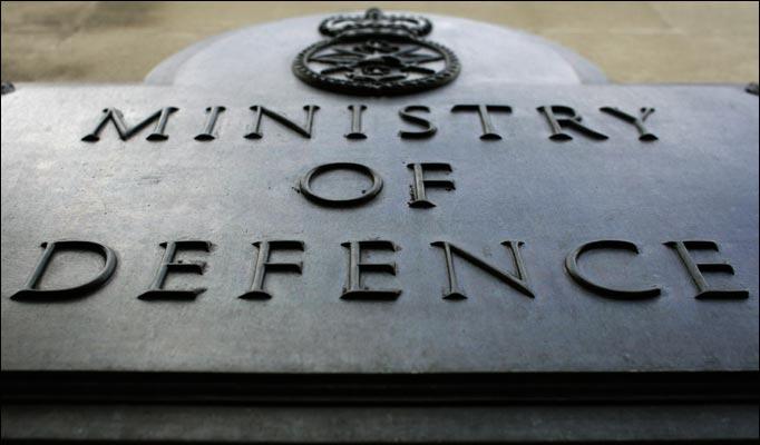 29.000 ευρώ στοίχισαν τα τηλεφωνήματα υπαλλήλων βρετανικού υπουργείου για να μάθουν την... ώρα | tanea.gr