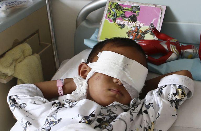 Φρίκη στην Κίνα: Απήγαγαν εξάχρονο αγόρι και του έβγαλαν τα μάτια για να τα πουλήσουν! | tanea.gr