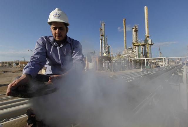 Φόβοι για «εκτόξευση» της τιμής του πετρελαίου | tanea.gr