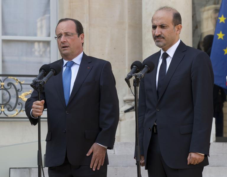 Υπέρ της πολιτικής λύσης στο θέμα της Συρίας τάχθηκε ο Ολάντ | tanea.gr
