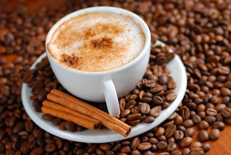 Κινδυνεύουν οι κάτω των 55 που πίνουν περισσότερους από 4 καφέδες την ημέρα αναφέρει έρευνα   tanea.gr