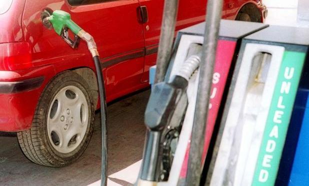 Εξι στους 10 βενζινοπώλες σε Αττική και Θεσσαλονίκη έβαλαν ήδη σύστημα εισροών- εκροών | tanea.gr