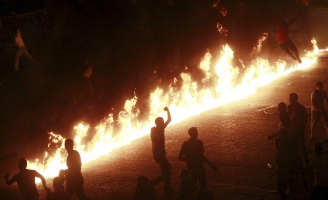 Υποστηρικτές του Μόρσι πυρπόλησαν εκκλησίες στη Μίνια και τη Σοχάγκ | tanea.gr