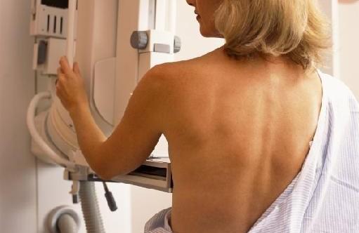 Αυξημένος κίνδυνος καρκίνου του μαστού για τις έφηβες που πίνουν | tanea.gr