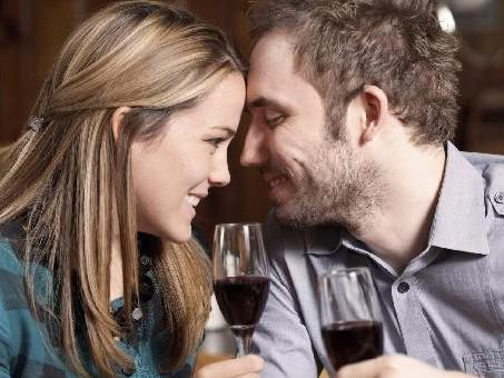 Η μόνιμη σχέση βλάπτει σοβαρά τα... κιλά μας! | tanea.gr