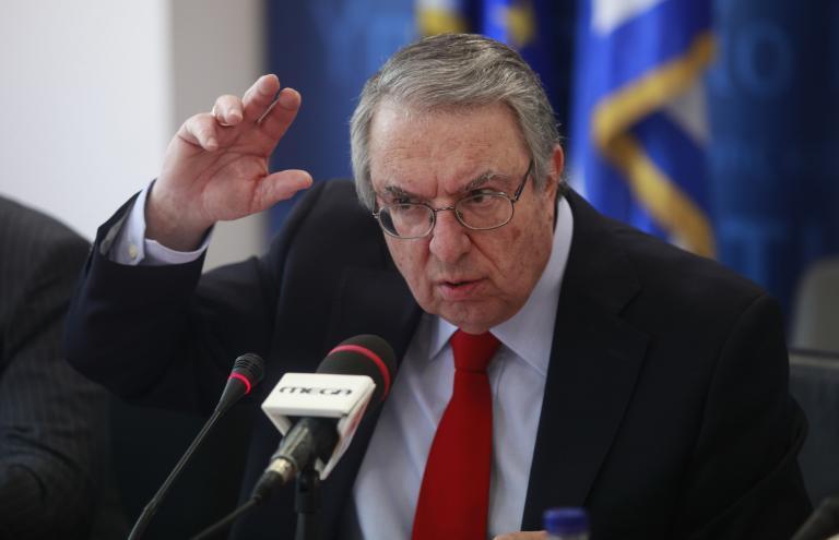 Μπαμπινιώτης εναντίον Ρεπούση: «Δεν πρέπει να γινόμαστε συνομιλητές φληναφημάτων» | tanea.gr