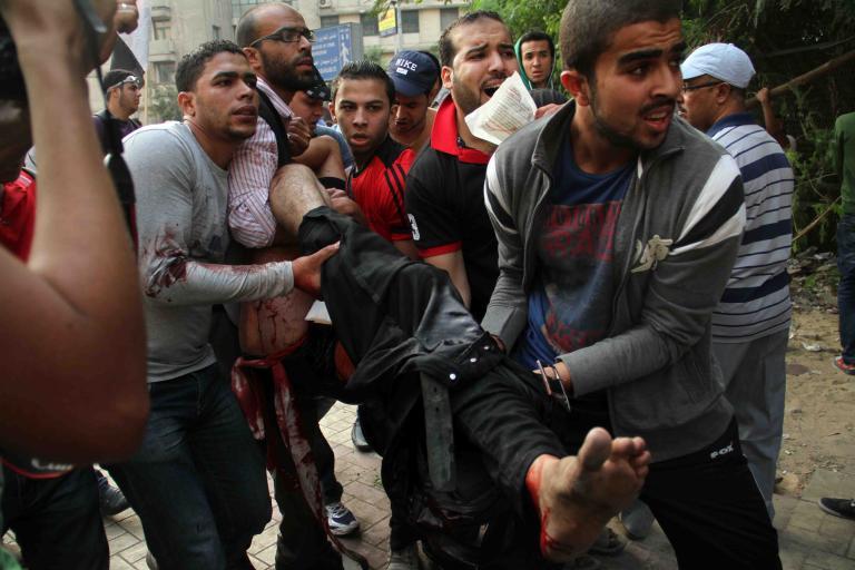 Αίγυπτος: 53 oι νεκροί και 246 oι τραυματίες στις συγκρούσεις διαδηλωτών στο Κάιρο | tanea.gr