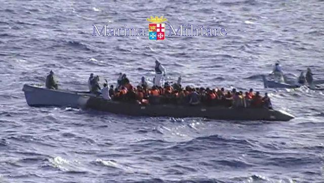 Νέο πλοίο με πρόσφυγες από την Αφρική κετέπλευσε στη Λαμπεντούζα | tanea.gr
